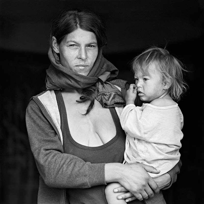 © Christine Turnauer – Vandana and Alexandra, Santa Georgia, Romania, 2016