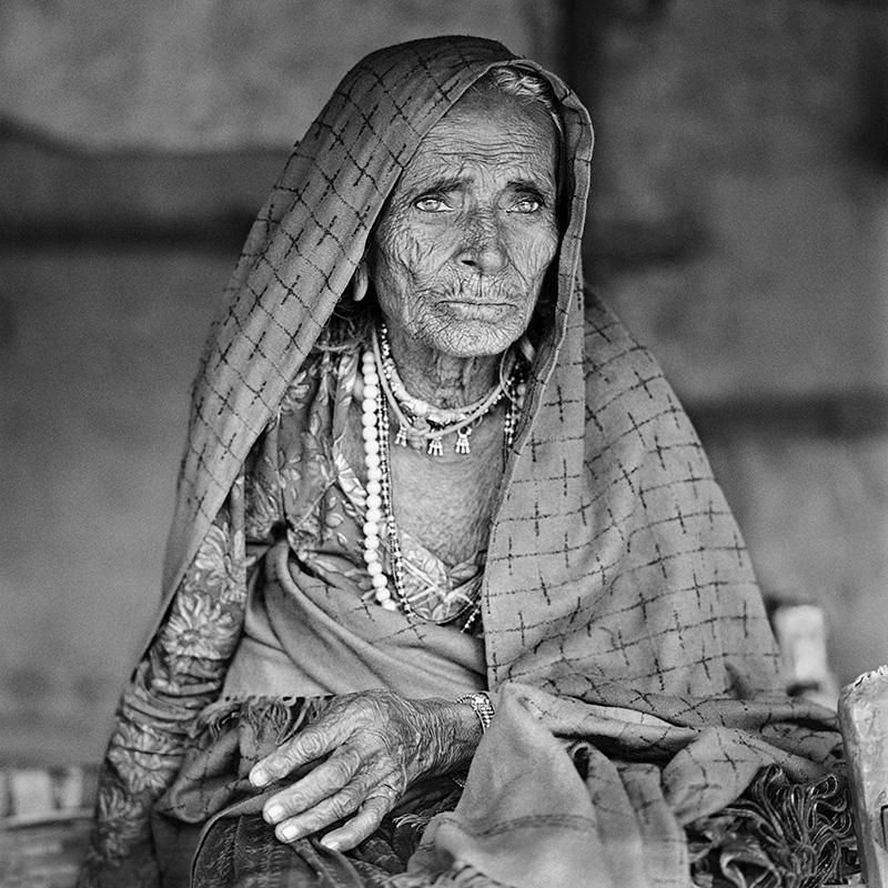© Christine Turnauer – Bhuli, age 100, Banjara tribe, Sikanderpur, India 2015